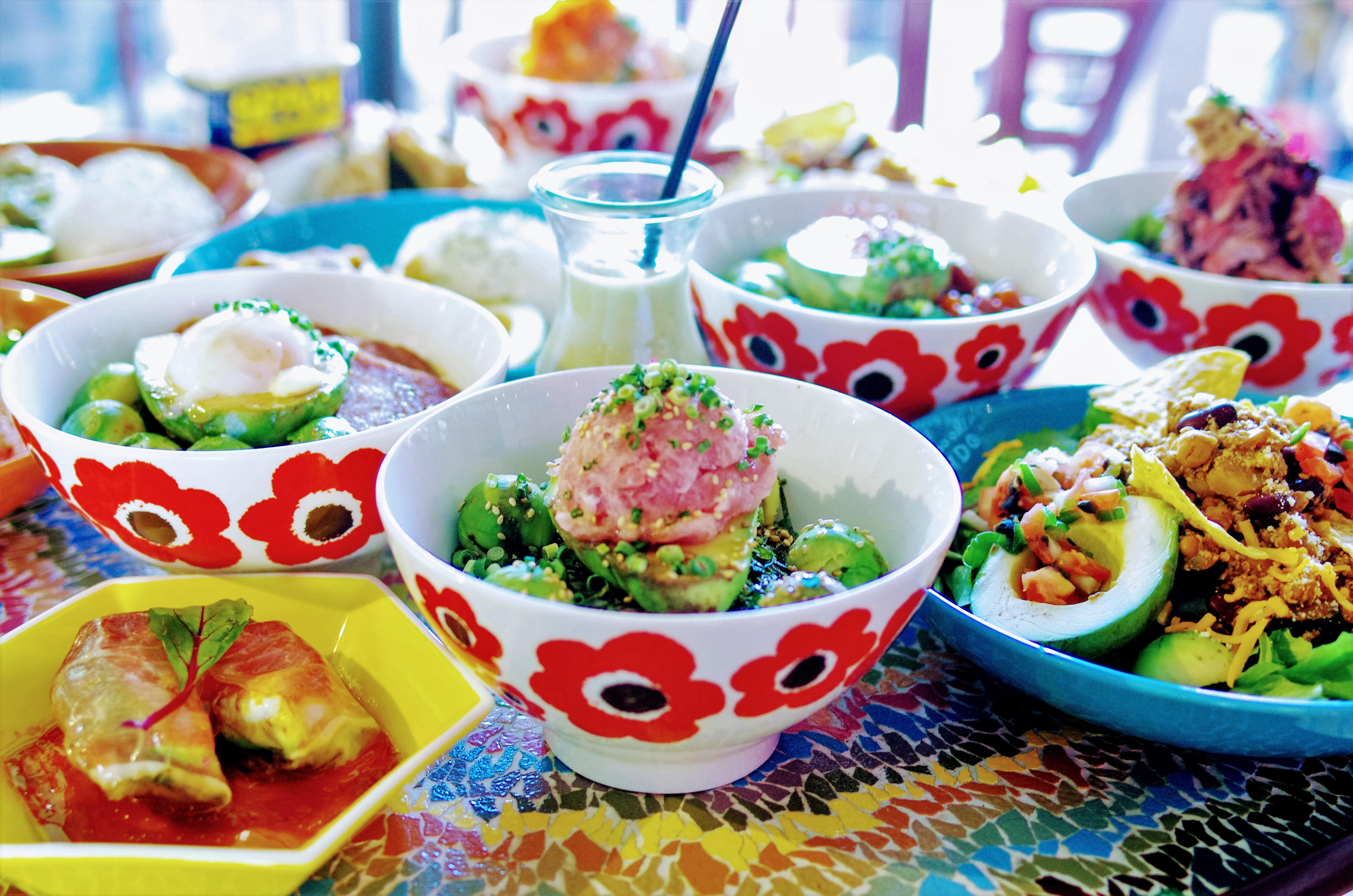 マドッシュカフェの人気アボカ丼メニュー達です。