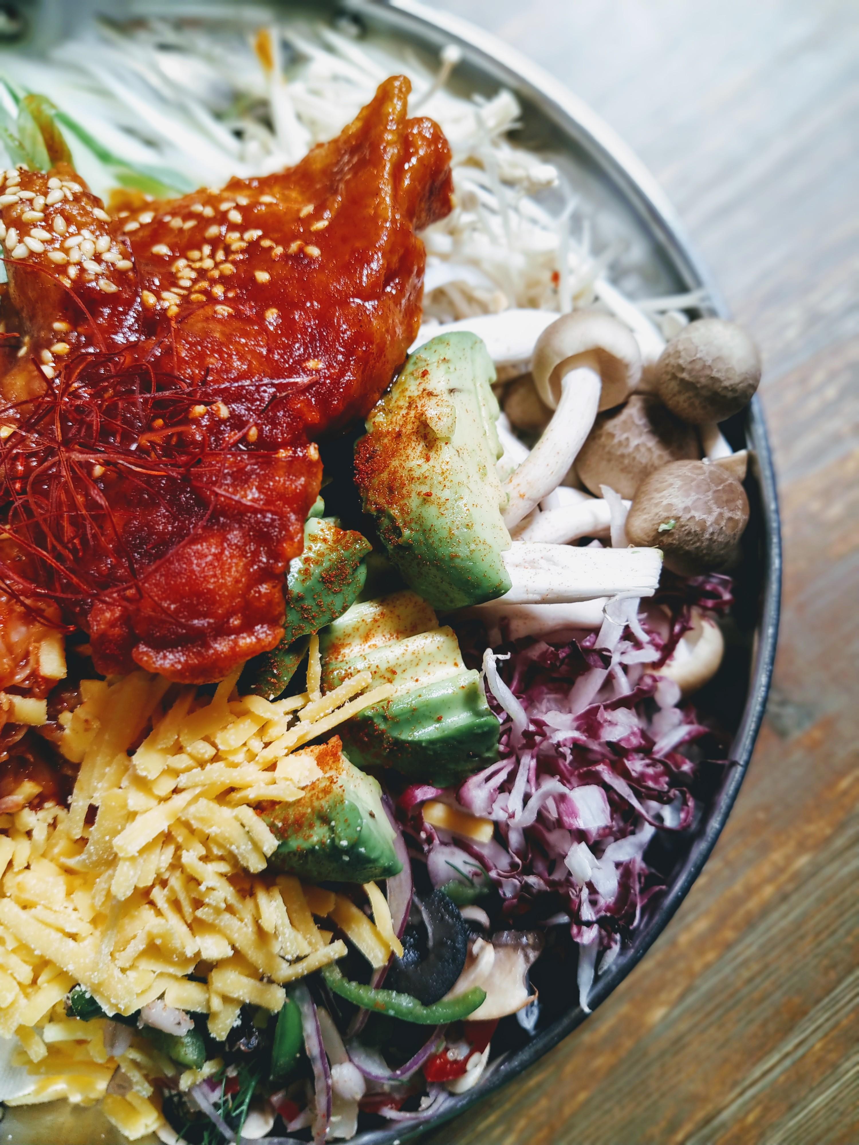ヤンニョムチキンのせのしびれタンタン鍋